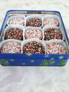 Chocolate Covered Christmas Oreos
